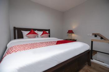 OYO 2438 D' Tamblingan Guesthouse Bali - Suite Double Regular Plan
