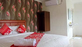 Mel's Inn Manado - Executive Room Regular Plan