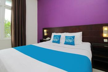 Airy Candisari Sisingamangaraja 4 Semarang - Deluxe Double Room with Breakfast Special Promo Oct 50