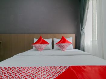 OYO 2228 Arwinda Costel Cianjur - Standard Double Room Regular Plan