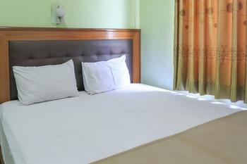 Hotel Prisma Surabaya - Superior Double with Balcony Basic Deal