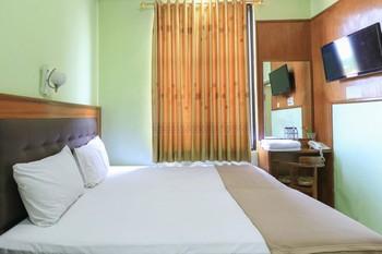 Hotel Prisma Surabaya - Deluxe Double Basic Deal