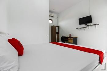RedDoorz @ Jagakarsa 2 Jakarta - RedDoorz Room with Breakfast Regular Plan