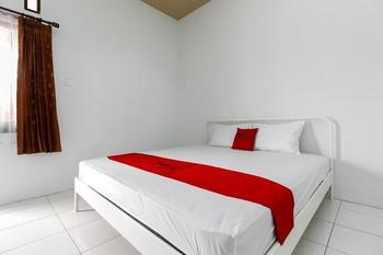 RedDoorz @ Jagakarsa 2 Jakarta - RedDoorz Room 24 Hours Deal