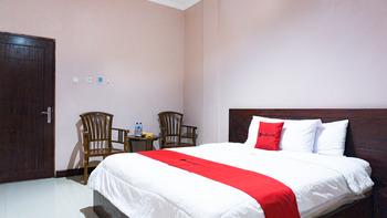 RedDoorz @ Jalan Cendrawasih Timika Mimika - RedDoorz Premium Room Regular Plan