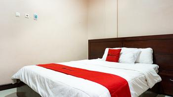 RedDoorz @ Jalan Cendrawasih Timika Mimika - RedDoorz Room Regular Plan