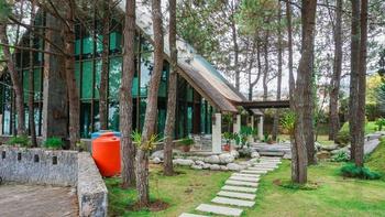 Villa Air Natural Resort Bandung - Vila Pinus A 3 Bedroom Without Breakfast Super Deals!