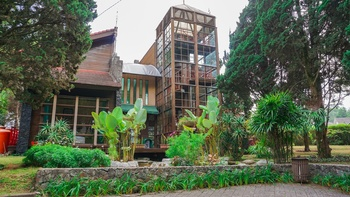 Villa Air Natural Resort Bandung - Vila Pinus 4 Bedroom Without Breakfast Super Deals!