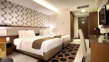 Gets Hotel Semarang - Deluxe - with Breakfast Save 52%