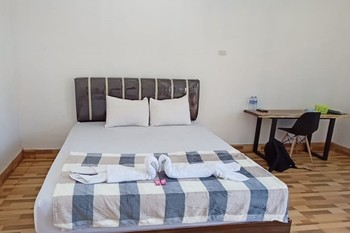 Grand Makassar Inn Singkawang - Standard Room KETUPAT