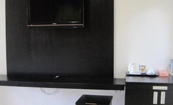 Tinggal Standard at Kartika Plaza Kuta - Standard Room Romantic Stay - 50%