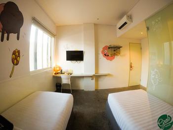Grab Hotel Gresik Gresik - Platinum Twin (Window) Room Only Regular Plan