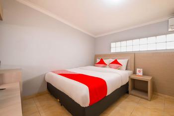 OYO 2405 The Karins Guesthouse Syariah Near RS AI Islam Bandung - Standard Double Room Promotion