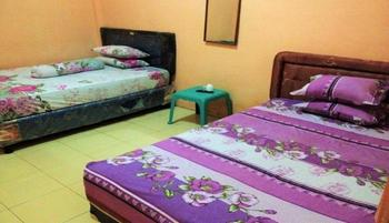 Wisma Dhana Syariah Lombok - Fan Room for 4 Person Regular Plan