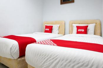 OYO 2052 Mutiara Residence Padang - Deluxe Twin Room Regular Plan