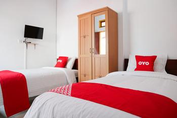 OYO 2052 Mutiara Residence Padang - Standard Twin Room Regular Plan