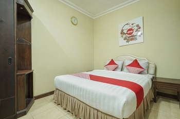 OYO 804 Ndalem Maharani Guest House Yogyakarta - Standard Double Room Regular Plan