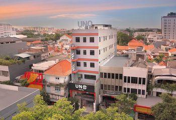 UNO Smartstay Hotel Surabaya