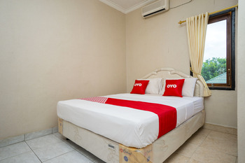 OYO 2181 Hotel Grand Yuda Kutai Kartanegara - Standard Double Room Regular Plan
