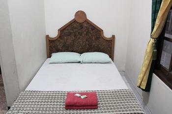 Hotel Puspo Nugroho Malioboro Yogyakarta Yogyakarta - Deluxe Room with AC Promo Stay Hepi