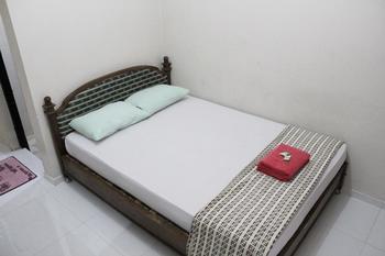 Hotel Puspo Nugroho Malioboro Yogyakarta Yogyakarta - Standard Room with Fan Promo Stay Hepi