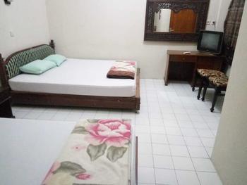 Hotel Puspo Nugroho Malioboro Yogyakarta Yogyakarta - Family Room with AC Promo Stay Hepi