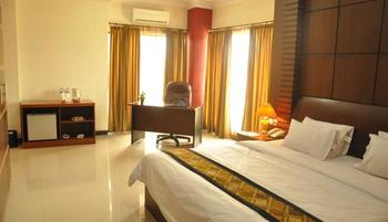 Riez Palace Hotel Tegal - Junior Suite Room Regular Plan