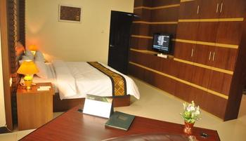 Riez Palace Hotel Tegal - Suite Room Regular Plan