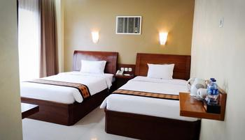 Riez Palace Hotel Tegal - Deluxe Room Only  Regular Plan