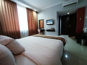 Riez Palace Hotel Tegal - Deluxe Room Breakfast Regular Plan