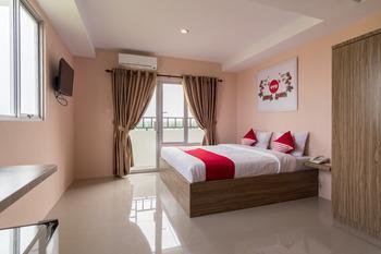 OYO 429 Skyview Setiabudi Premium Medan -  Deluxe Double Room Regular Plan