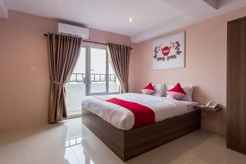 OYO 429 Skyview Setiabudi Premium Medan -  Suite Double Room Regular Plan