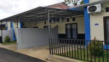 Villa Bintang Lima