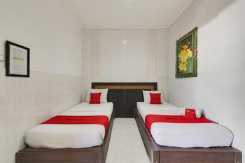 RedDoorz near Stadion Kompyang Sujana Bali Bali - RedDoorz Twin Room Basic Deals Promotion