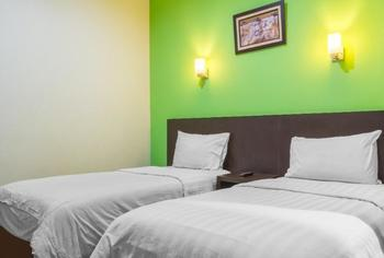 Alpha Inn Medan - Deluxe Room Only Regular Plan