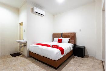 RedDoorz near Yuki Simpang Raya Mall Medan 2 Medan - RedDoorz Room Regular Plan