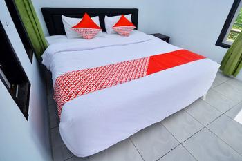 OYO 2588 Pondok Romeo Syariah Pangandaran - Deluxe Double Room Regular Plan