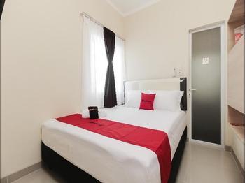 RedDoorz near Soekarno Hatta Airport Tangerang - RedDoorz Room Regular Plan