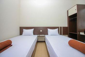 Sky Inn Banjar Indah Banjarmasin Banjarmasin - Standard Twin Room Only - Flash Sale Regular Plan