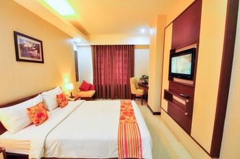Daima Hotel  Padang - Superior Room Breakfast Regular Plan