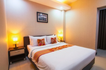 Daima Hotel  Padang - Deluxe Room Only Regular Plan
