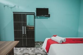 RedDoorz near RSUD Koja Jakarta - RedDoorz Twin Room 24 Hours Deal