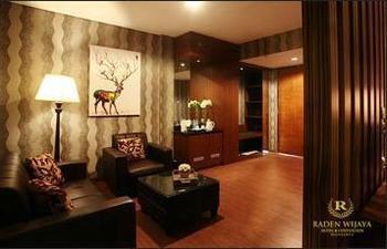 Raden Wijaya Hotel & Convention Mojokerto - Suite Room Breakfast Regular Plan