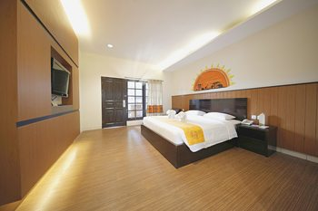 Royal Safari Garden Resort and Convention Bogor - Deluxe Room Only BEST DEAL