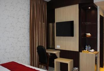 Cardinal Lucky Star Hotel Batam - Deluxe King  Regular Plan