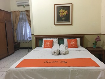 Dewata Sky Lembong 23 Bandung - Deluxe King Room Only Regular Plan