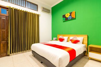 OYO 1309 Hotel Shafira Yogyakarta - Standard Double Room Regular Plan