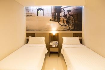 Aston Ketapang City Hotel Ketapang - Superior Room Only Regular Plan
