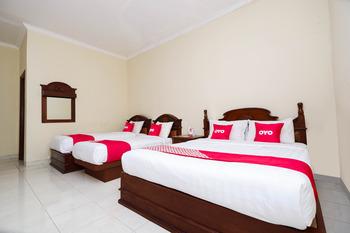 OYO 1625 Pandanaran Guest House Semarang - Suite Family Regular Plan
