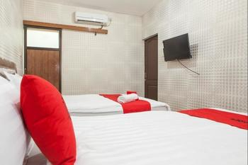 RedDoorz near Pelabuhan Tanjung Perak 2 Surabaya Surabaya - Twin Room with Breakfast Regular Plan